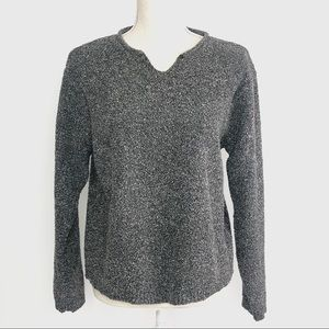 Columbia Gray And White Roll Collar Sweater size M